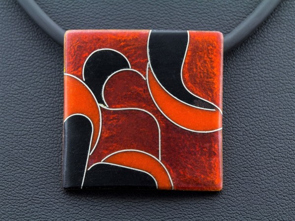 Emaille - Kettenanhänger Rubin Quadrat